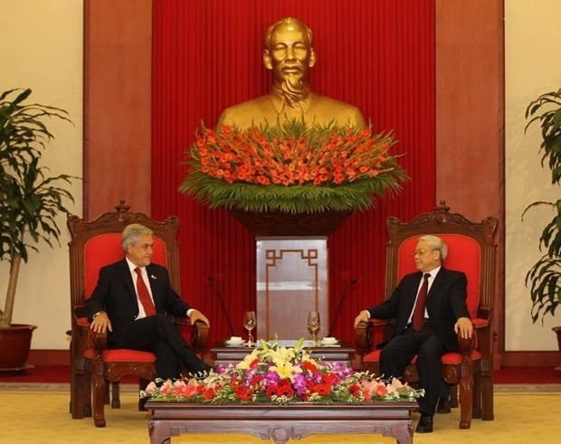 Vietnamese, Chilean leaders exchange congratulatory messages hinh anh 1