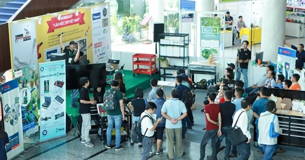 Online trade fairs, exhibitions boom hinh anh 1