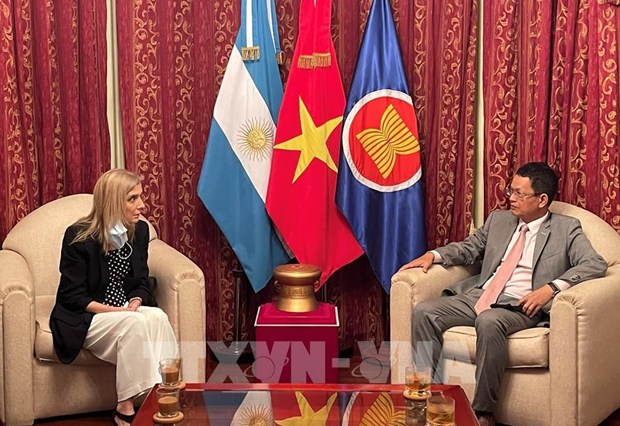 Argentine national news agency wishes to boost cooperation with VNA hinh anh 1