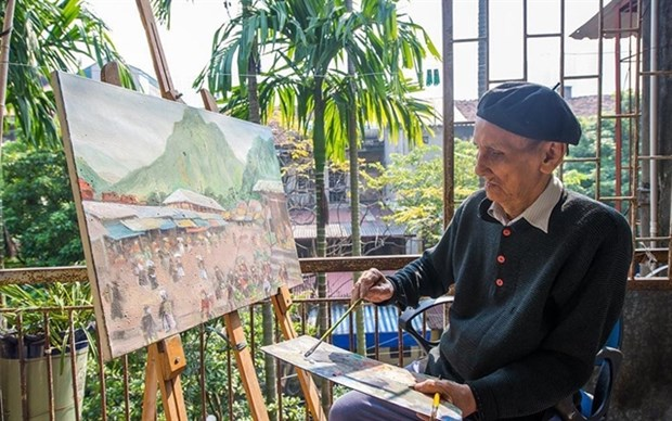 Exhibition takes visitors on journey to the past hinh anh 1