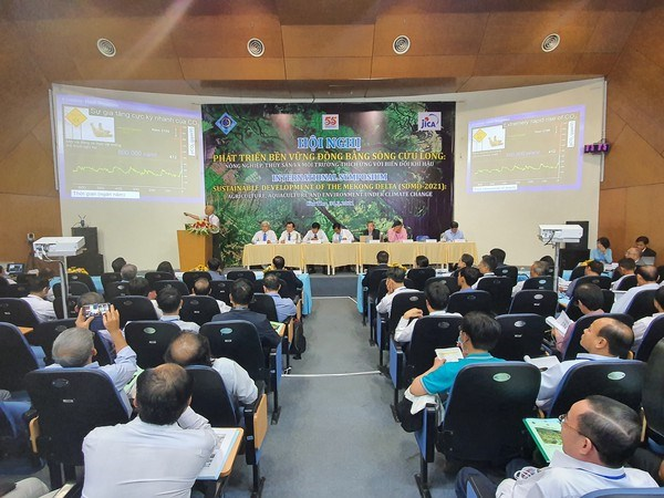 Experts seek measures to promote Mekong Delta's sustainable growth hinh anh 2