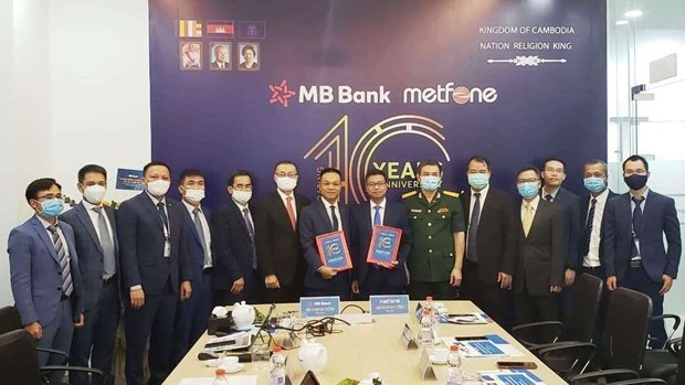 Vietnamese firms in Cambodia strive to overcome difficulties amid pandemic hinh anh 1