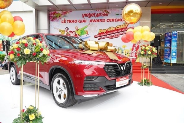 Vietjet gives 1.5 billion VND car to luckiest passenger at year-end festival season hinh anh 1