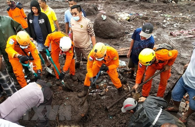 Floods, landslides kill over 150 in Indonesia, Timor Leste hinh anh 1