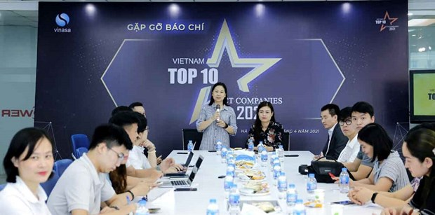 Voting of Vietnam's top 10 ICT businesses 2021 launched hinh anh 1