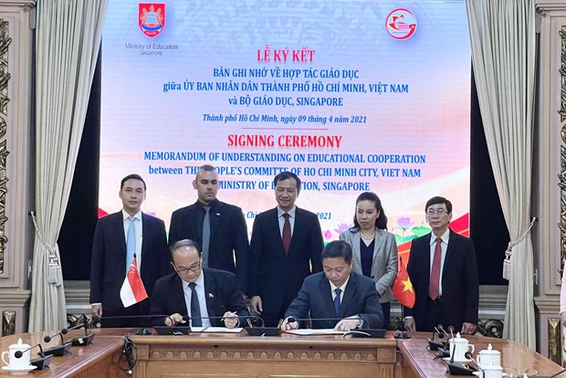HCM City, Singaporean ministry cooperate in education hinh anh 1