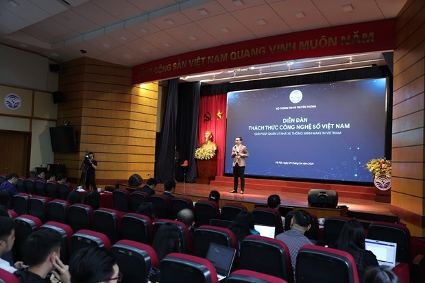 Forum spotlights digital transformation challenges hinh anh 1