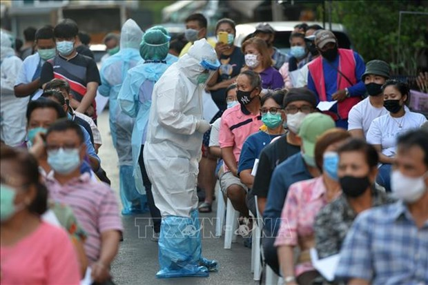 Thailand confirms daily record rise in new COVID-19 cases hinh anh 1
