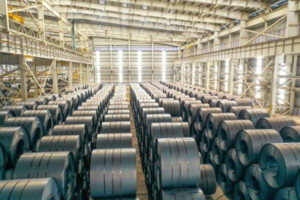 Hoa Phat becomes Vietnam's biggest steelmaker hinh anh 1