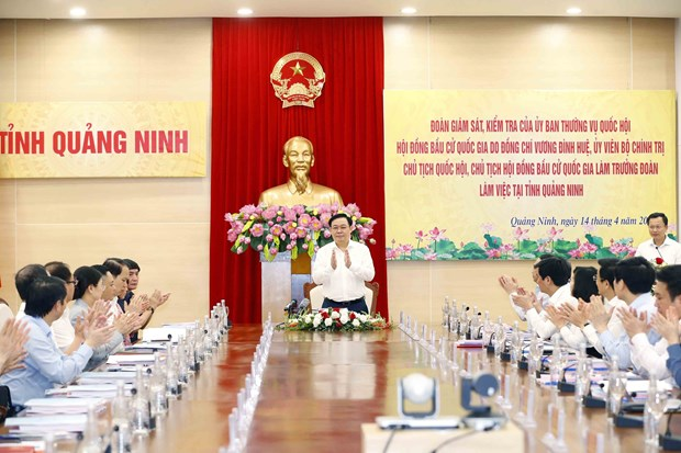 NA Chairman examines election preparations in Quang Ninh hinh anh 2