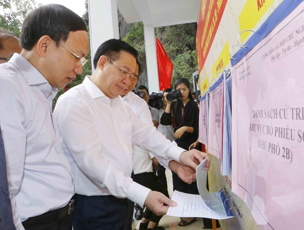 NA Chairman examines election preparations in Quang Ninh hinh anh 1