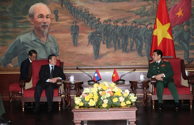 Vietnam forges defence ties with foreign countries hinh anh 1