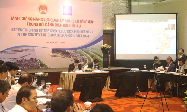 ADB helps Vietnam strengthen integrated flood risk management hinh anh 1