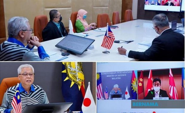 Japanese, Malaysian defence chiefs discuss regional issues hinh anh 1