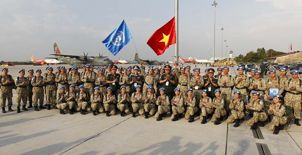Vietnam helps maintain sustainable global peace: Officer hinh anh 3