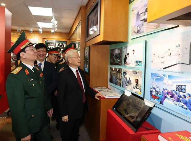 108 Military Central Hospital marks 70th anniversary hinh anh 1