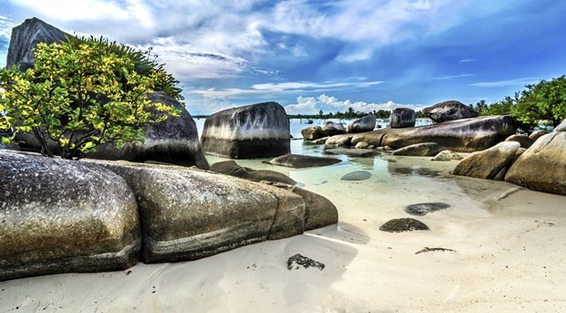 Indonesia's Belitung island recognised as UNESCO's global geopark hinh anh 1