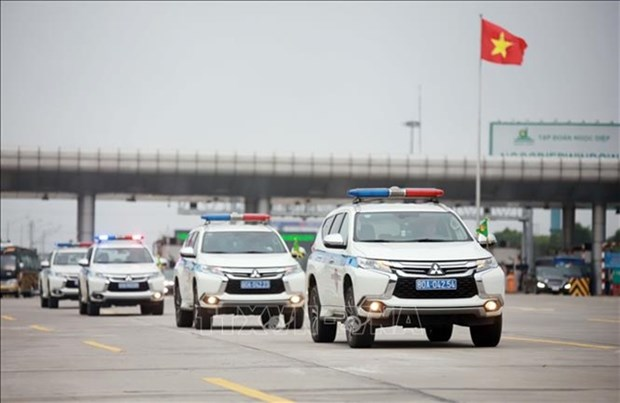 PM urges travel safety ahead of national holidays hinh anh 1
