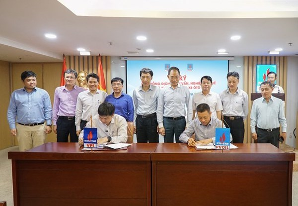 VPI, PVOIL partner in research on electric-vehicle battery, charging station hinh anh 2
