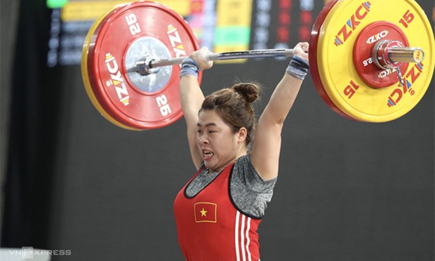 Weightlifter Duyen wins Vietnam's first int'l medal of year hinh anh 1