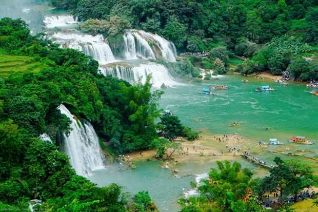 Northern provinces urged to develop local tourism hinh anh 1