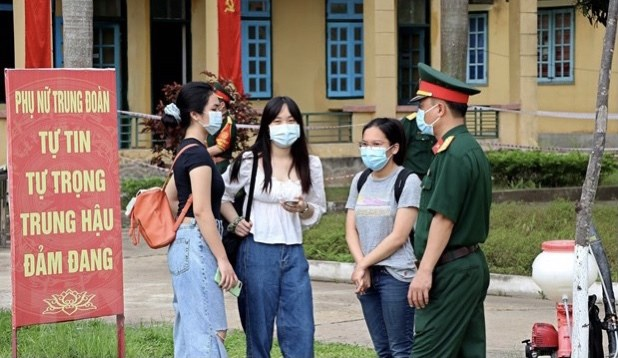 New eight imported cases reported on April 22, over 128,600 vaccinated hinh anh 1