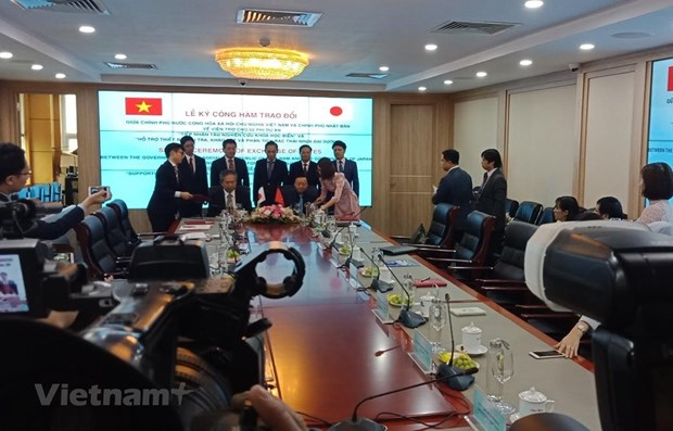Japan helps Vietnam in oceanographic research, plastic waste settlement hinh anh 1