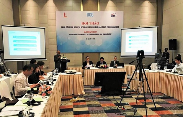Experts seek solutions to fluorocarbon management hinh anh 1