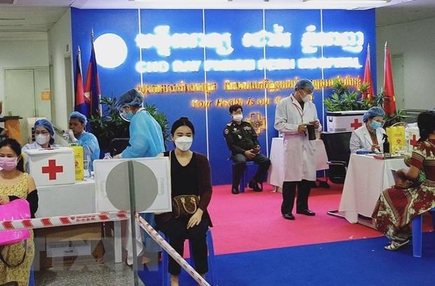 Cho Ray Phnom Penh Hospital ready to admit COVID-19 patients hinh anh 1