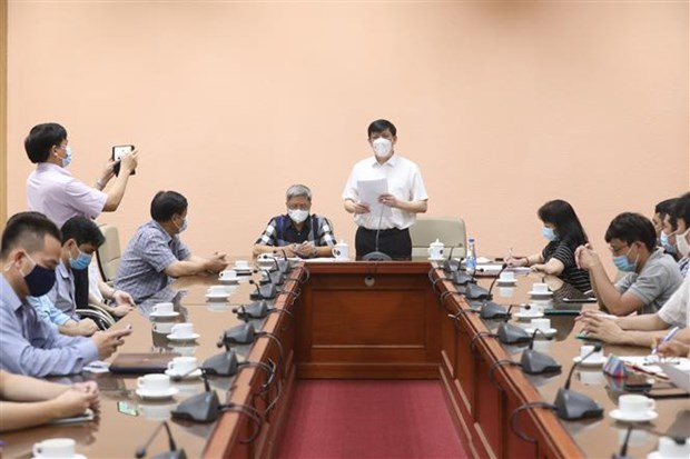 Over 30 Vietnamese experts ready for COVID-19 support mission in Laos hinh anh 1