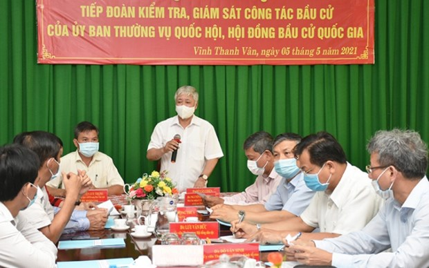 Front leader examines election preparations in Kien Giang hinh anh 1