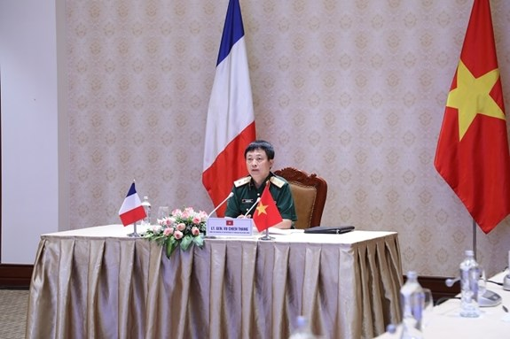 Working group for Vietnam-France defence ties meet via videoconference hinh anh 1