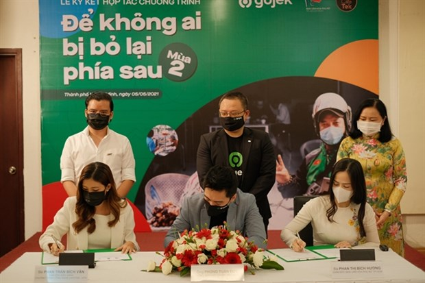 'No one left behind' project helps locals start online F&B businesses hinh anh 1