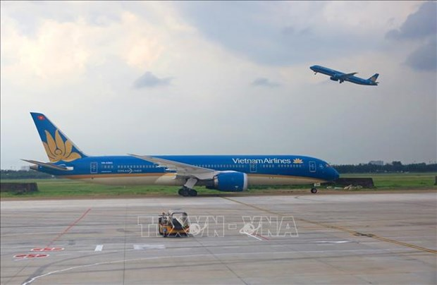 Vietnam Airlines allows free ticket change, refund amid COVID-19 resurgence hinh anh 1
