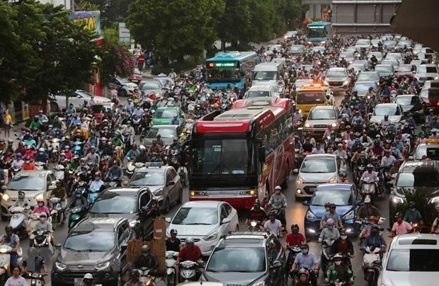 Agencies urged to complete report on vehicle emission control hinh anh 1