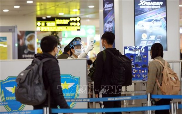 Aviation sector steps up pandemic prevention efforts hinh anh 1