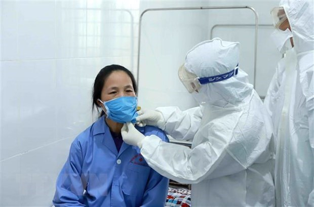Ministry asks for stricter COVID-19 prevention measures at medical establishments hinh anh 1