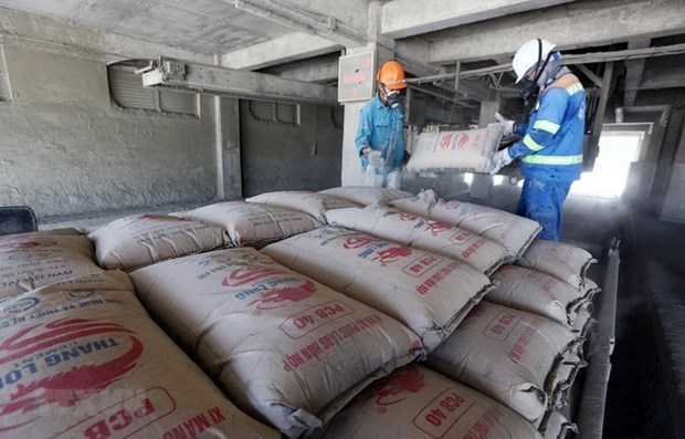 Enterprises bump up prices on rising raw material costs hinh anh 1