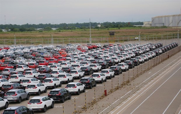 More than 1.1 billion USD spent on car imports in four months hinh anh 1