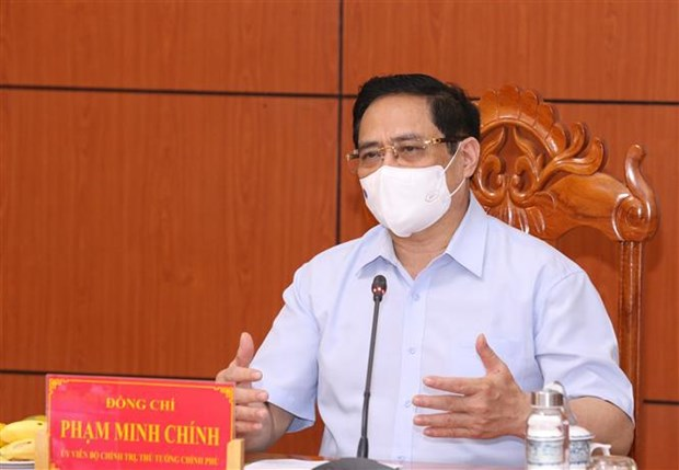 PM holds emergency online conference on COVID-19 control hinh anh 2