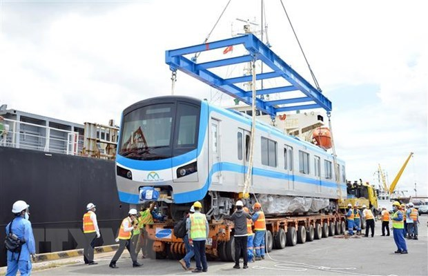 HCM City receives two more trains for Metro Line No 1 hinh anh 1