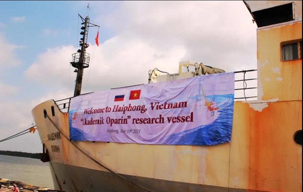 Vietnamese, Russian scientists conduct joint survey on East Sea hinh anh 1