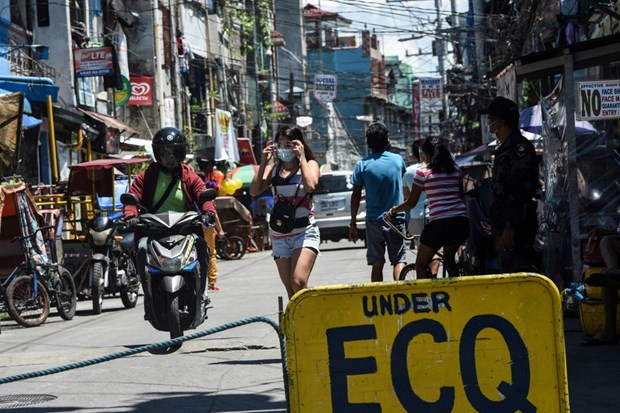 Philippine economy declines further than projected in Q1 hinh anh 1
