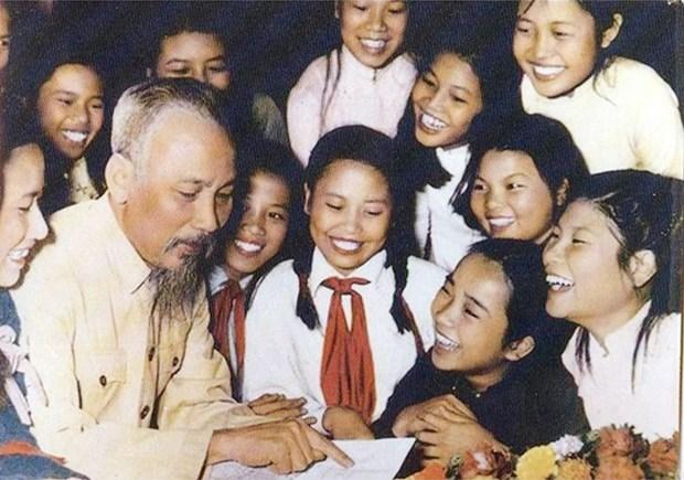 Book celebrates President Ho Chi Minh's 131st birth anniversary hinh anh 1