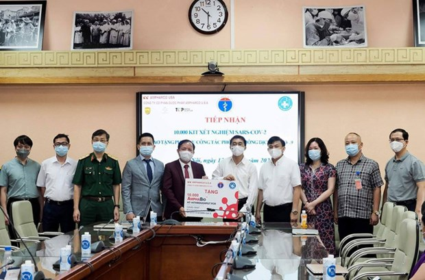 Health Ministry receives 10,000 COVID-19 test kits hinh anh 1