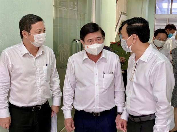 HCM City steps up COVID-19 preventive measures hinh anh 1