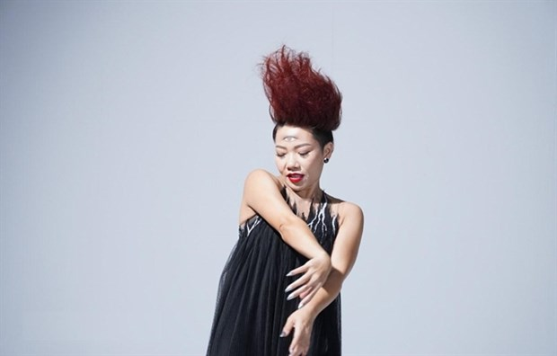 Vietnamese diva turns goddess in new music video hinh anh 1