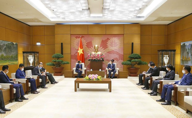 Vietnam gives high priority to relations with Cambodia: top legislator hinh anh 2