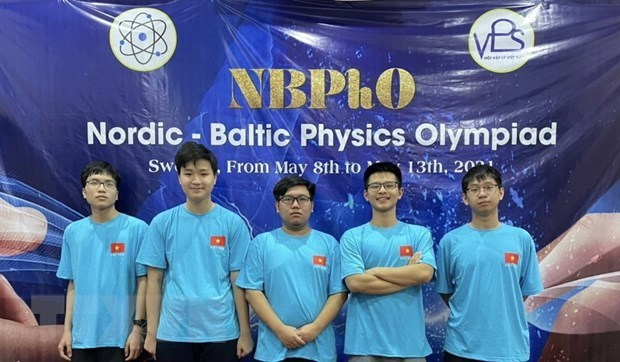 Hanoi students win medals at 2021 Nordic-Baltic Physics Olympiad hinh anh 1