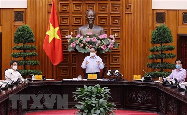 Health sector must overcome difficulties, prioritise public health: PM hinh anh 2